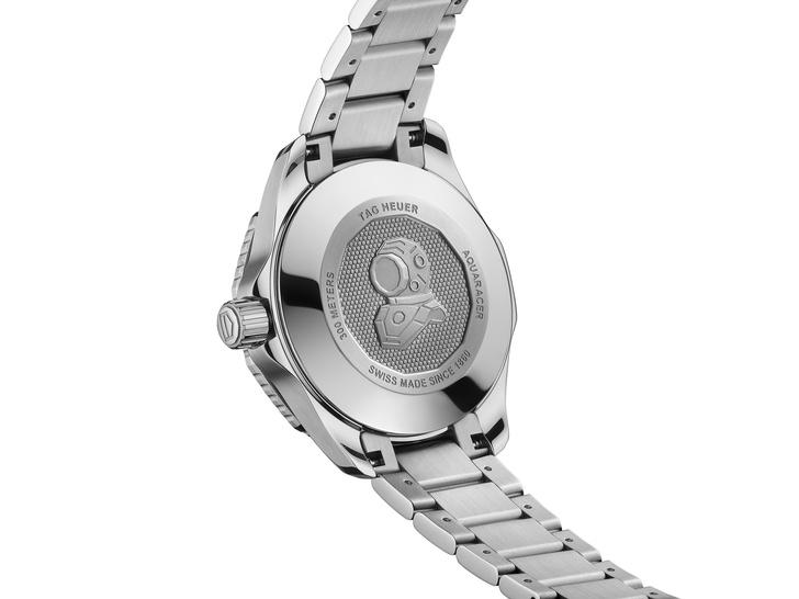Фото №7 - Часы TAG Heuer для дайверов, которые мы с радостью носим на суше