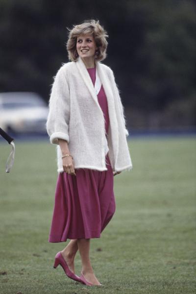Фото №9 - Как принцесса Диана вершила модную революцию, пока сестры Дженнер ходили пешком под стол