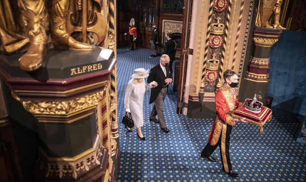 Фото №5 - Почему у короны Британской империи есть личный автомобиль и еще несколько фактов о главной королевской регалии