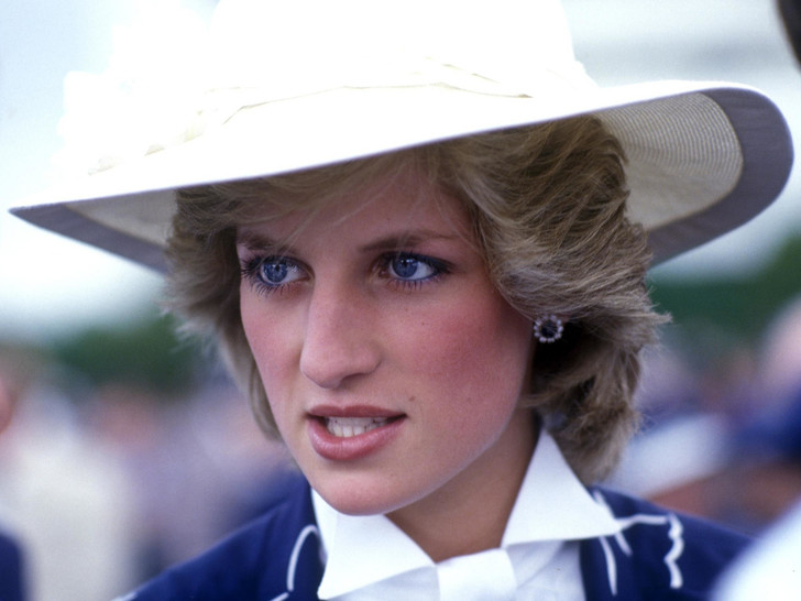 Фото №1 - Разъяренная принцесса: что Чарльз запретил делать Диане (а Королева разрешила)