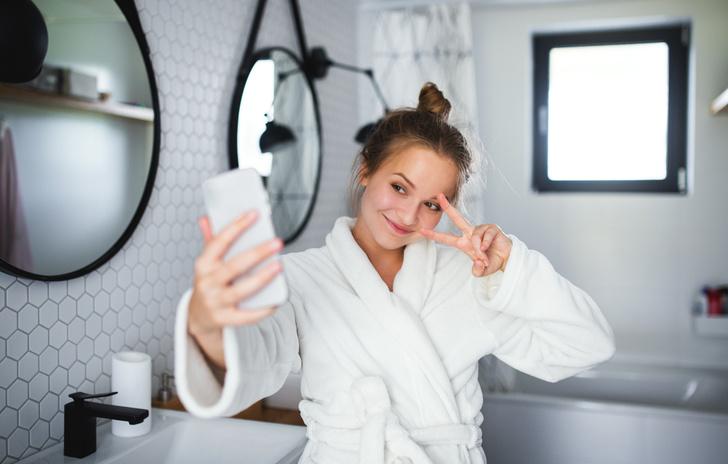 из чего лучше сделать потолок в ванной