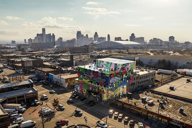 Фото №5 - Стеклянный дом с граффити в Детройте