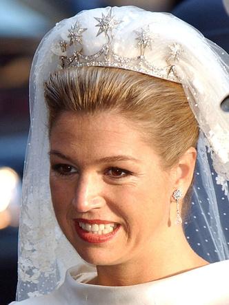 Фото №2 - Самые роскошные и любимые тиары королевы Максимы