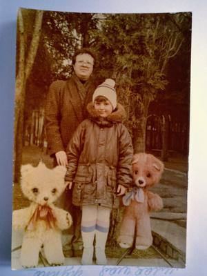 Фото №11 - Правда ли, что дочки становятся копиями своих мам: 15 фото тогда и сейчас