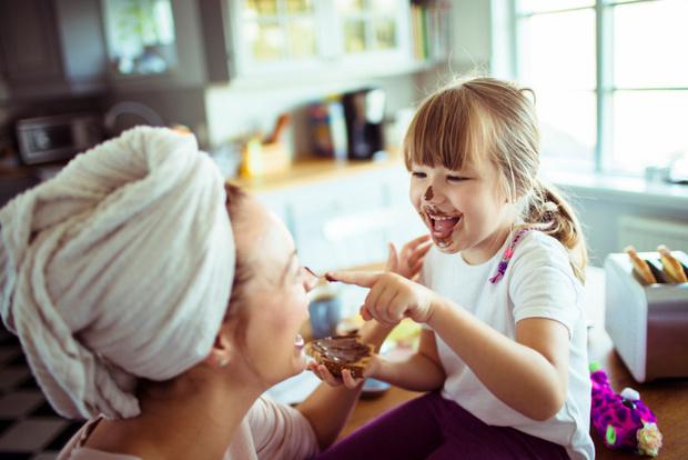 Фото №1 - Сколько шоколада съедать в день, чтобы умнеть и не стареть