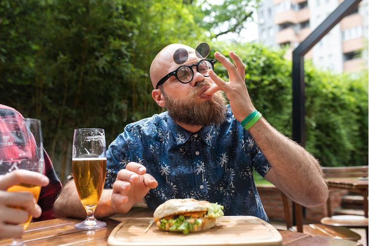 Фото №1 - Топ-5 самых полезных закусок к пиву