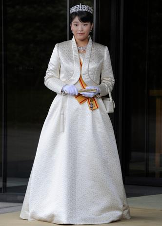 Фото №3 - Японский Мегзит! Принцесса выходит замуж за простолюдина и бежит из дворца