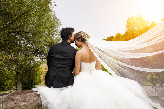 Фото №1 - Во сколько обойдется свадьба средней руки в Москве