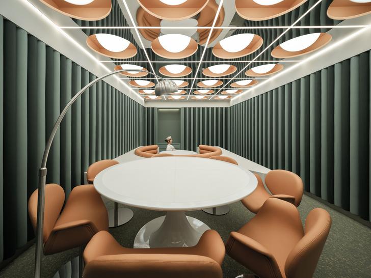 Фото №8 - Ресторан в стиле ретрофутуризма