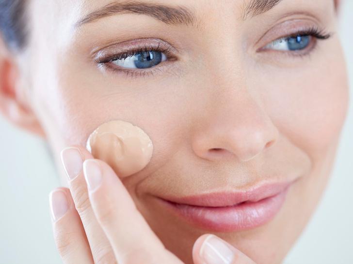 Фото №3 - Без консилера и тонального крема: еще 6 способов выровнять тон лица