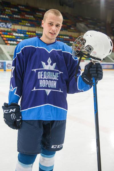 Фото №1 - Актеры «Молодежки» о хоккее, девушках и дружбе