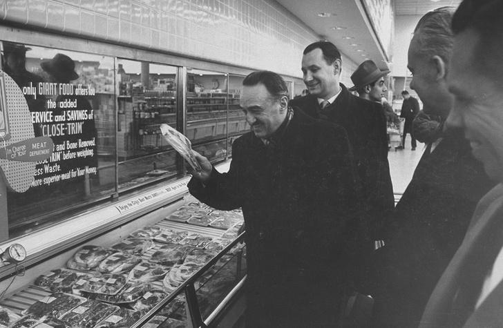 Фото №2 - Соки, мороженое, сгущенка и еще пять вещей, которые Микоян внедрил в СССР после поездки в США
