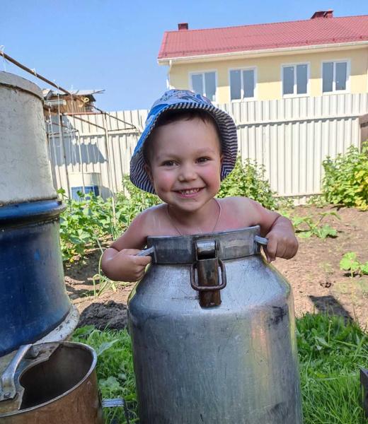 Фото №22 - Дачные радости для малыша: голосуем за самое яркое детское фото