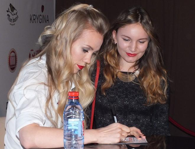 Фото №5 - Елена Крыгина рассказала воронежцам про новогодний макияж