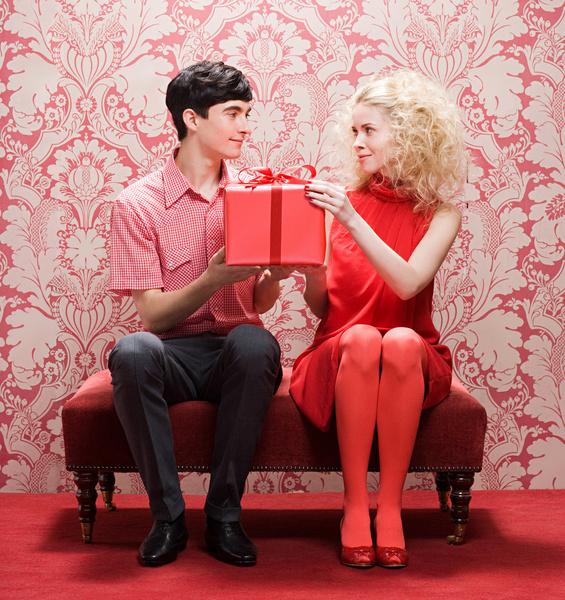Фото №1 - Просто праздник! Как живут пары, у которых секс раз в год, и что об этом думает эксперт