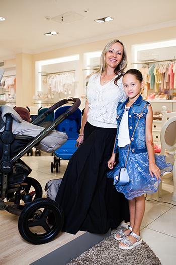 Мария Бутырская с дочкой Сашей