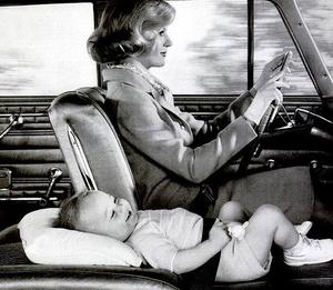 Фото №1 - Поедем, малютка, кататься: первой автолюльке для новорожденных 30 лет