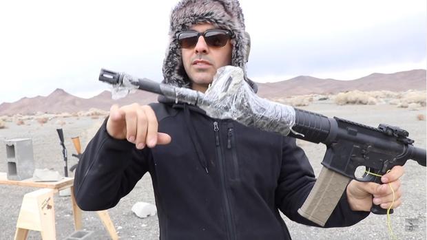 Фото №2 - Эксперимент: АК-47, винтовку и дробовик замуровали стволами в бетон и попытались выстрелить из них (видео)