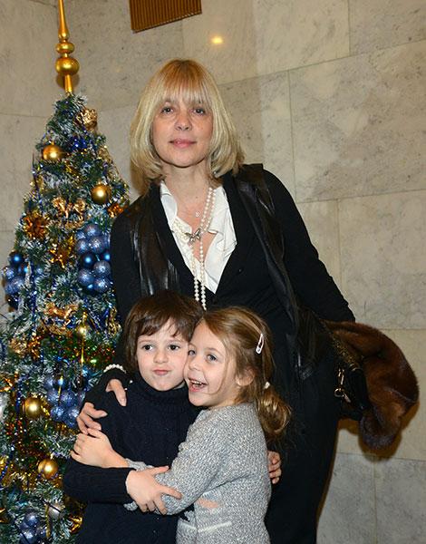 Вера Глаголева с семьей фото