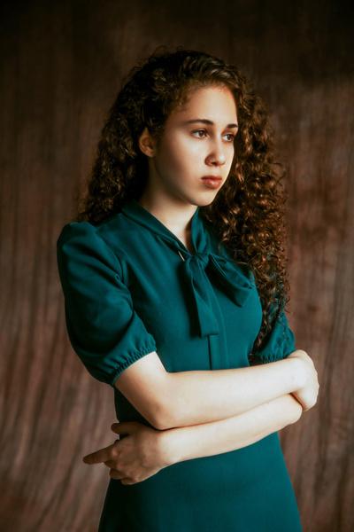 Фото №1 - Личный опыт: как я написала первую книгу в 16 лет и стала одним из самых знаменитых авторов России