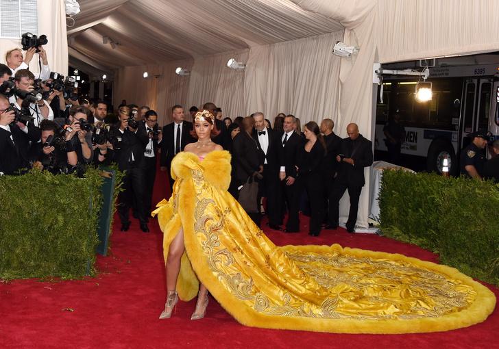 Фото №18 - Модные мученицы: самые неудобные платья звезд
