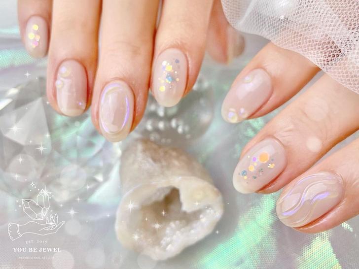 Фото №7 - Северное сияние на ногтях: трендовый маникюр из Инстаграма