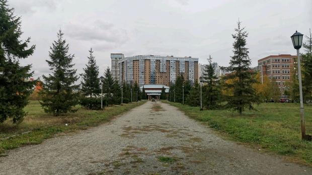 Фото №1 - Мэрия Новосибирска решила сохранить сквер у Законодательного Собрания области