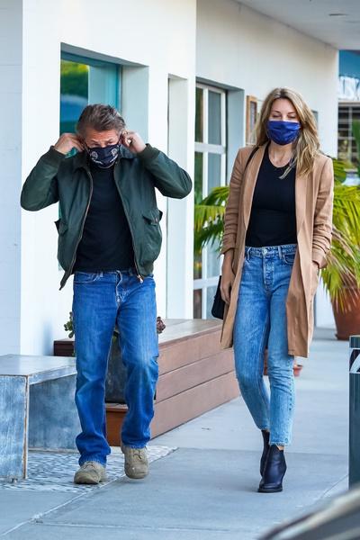 Фото №3 - 60-летний Шон Пенн и его 29-летняя жена без фотошопа выглядят как ровесники
