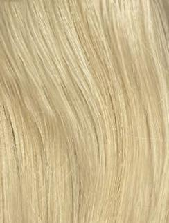 """Классический оттенок блонд хорош своим """"холодным"""" сиянием."""