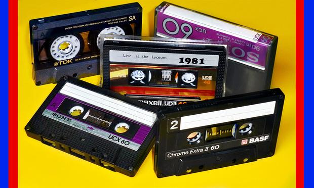 Фото №1 - Самая смешная новость года из мира культуры: аудиокассеты снова в моде
