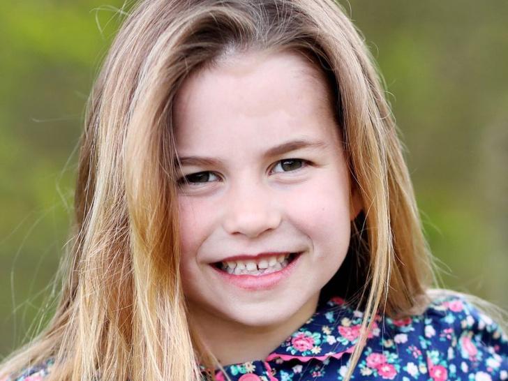 Фото №1 - Принцесса Шарлотта Кембриджская: шестой год в фотографиях