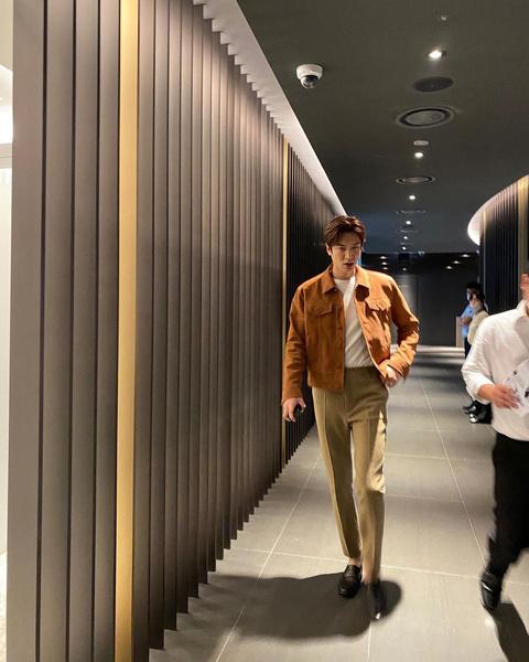 Фото №3 - Как парням, так и девчонкам: стильные образы от Ли Мин Хо на каждый день