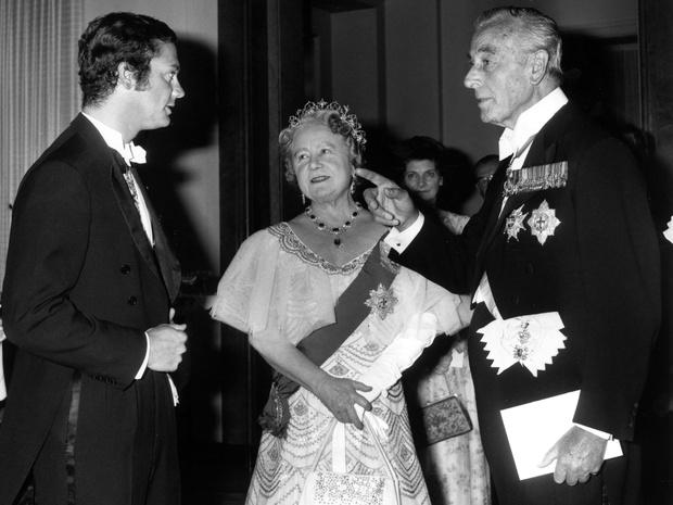 Фото №2 - Интриги Короны: действительно ли королева-мать организовала заговор против Камиллы
