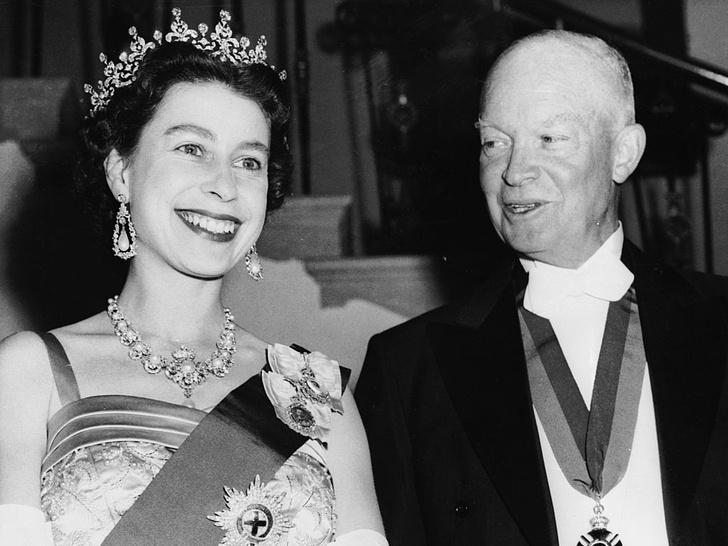 Фото №3 - 10 самых впечатляющих королевских туров Елизаветы, которые вошли в историю