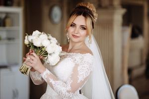 Фото №2 - Визажист показала, как выглядят невесты до и после макияжа