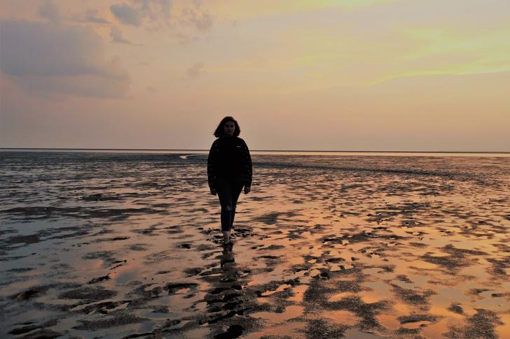 родители сослали 13-летнюю школьницу на необитаемый остров