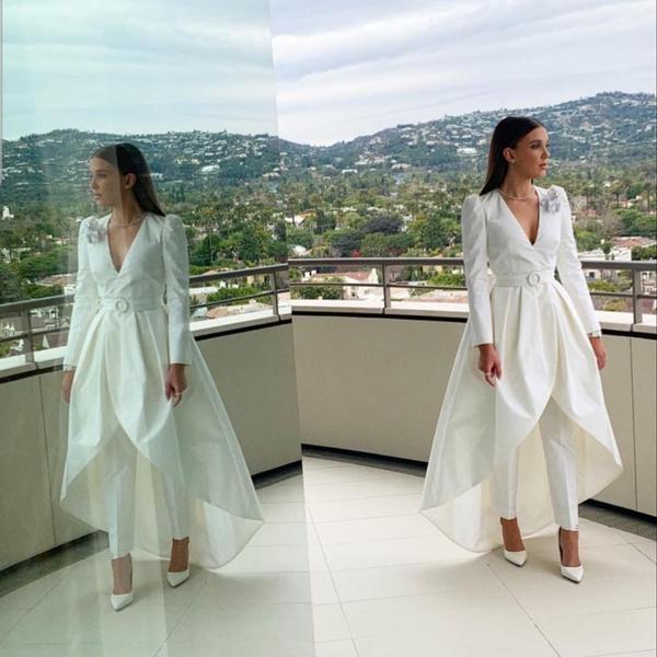 Фото №1 - 5 стильных платьев на выпускной как у Милли Бобби Браун
