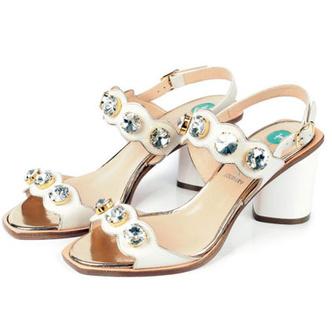 Фото №20 - От босоножек с декором до сандалий-гладиаторов: 10 антитрендов летней обуви