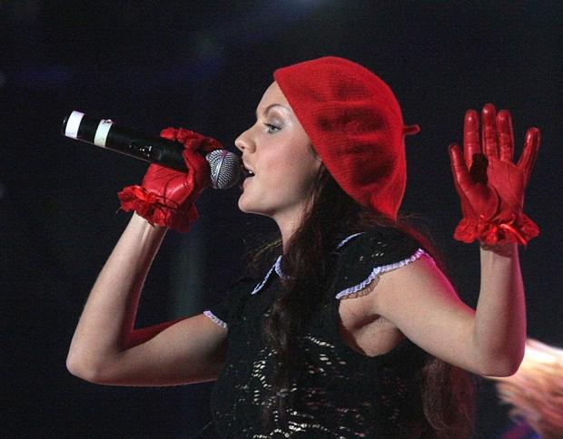 Фото №2 - От взлета до падения: как певица МакSим превратилась из талантливой девочки в женщину, которую спасают
