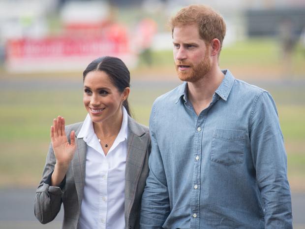 Фото №1 - Поезд ушел: почему Гарри и Меган перестают быть интересны публике