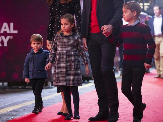 Фото №11 - Воспитание королей: что можно и что нельзя Джорджу, Шарлотте и Луи Кембриджским