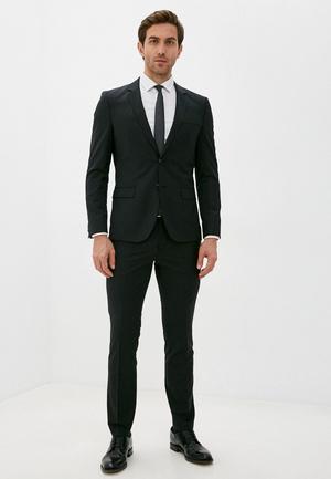 Фото №2 - 7 стильных костюмов на выпускной для модных парней