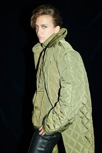 Фото №41 - Полный гид по самой модной верхней одежде на осень и зиму 2021/22