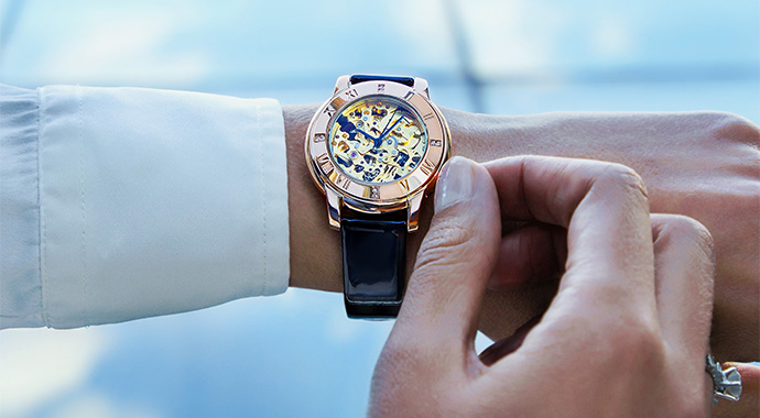 Самое время: почему в век высоких технологий мы выбираем наручные часы