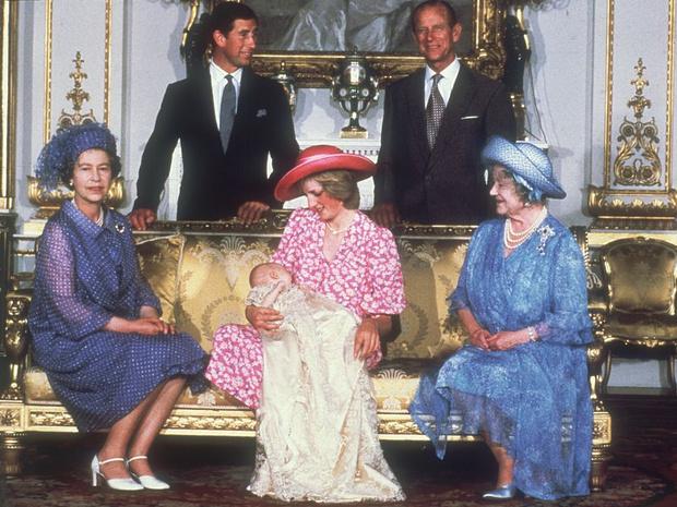 Фото №3 - Неожиданная реакция Королевы при виде новорожденного принца Уильяма