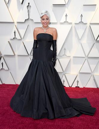 Фото №1 - «Оскар-2019»: лучшие и худшие платья звезд