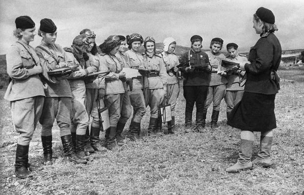 Фото №2 - «Ночные ведьмы»: советские летчицы, которых боялись все немецкие солдаты
