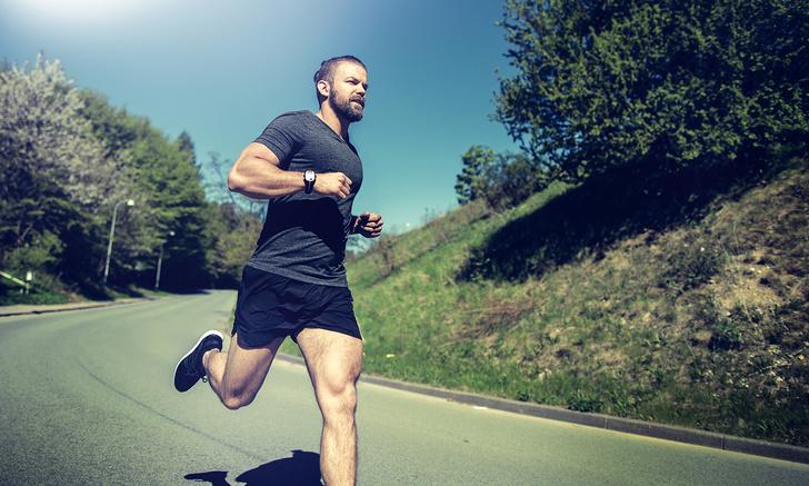 Фото №1 - Как бегать в жару: 7 простых правил для комфорта и безопасности