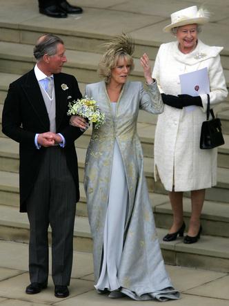Фото №2 - Почему принц Чарльз запретил дарить свадебные подарки себе и Камилле