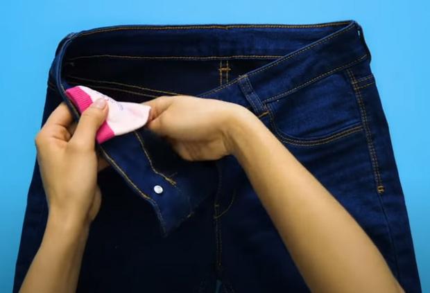 Фото №5 - 9 способов использовать носки не по назначению